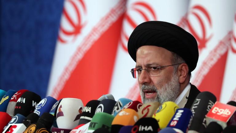 Иран преговаря по ядрената програма от август с новия президент