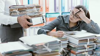 В кои държави офис служителите работят извънредно най-много?