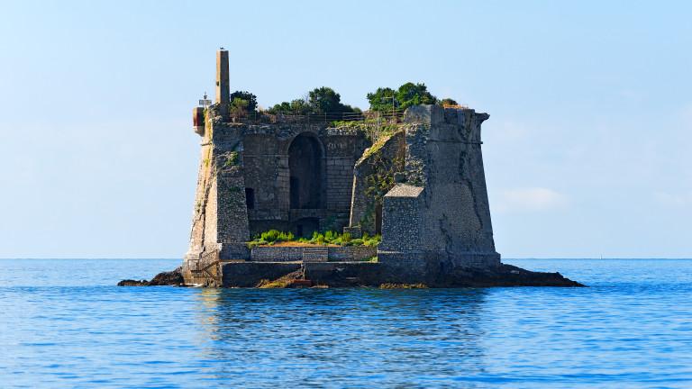 Снимка: Историята на една изоставена кула
