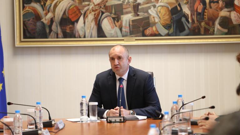 Със свой указ президентът Румен Радев назначи служебно правителство. Служебното