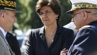 Военният министър на Франция Силви Гулар подаде оставка