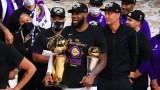 Лейкърс триумфира за 17-и път в НБА, звездите на тима посветиха успеха на Коби Брайънт