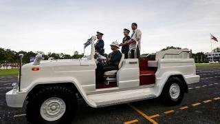 Президентът на Филипините призна, че изхвърлил заподозрян от хеликоптер
