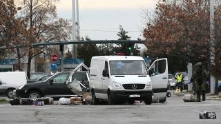 Освободиха собственика на белия бус, който вся смут на софийското летище