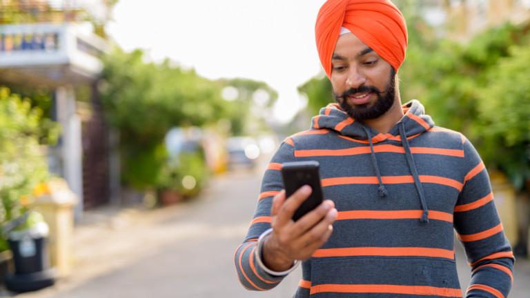 Ценовата война между братя при индийските телекоми взе жертва