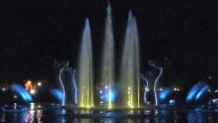 Пеещите фонтани в Пловдив стават за месец коледна украса