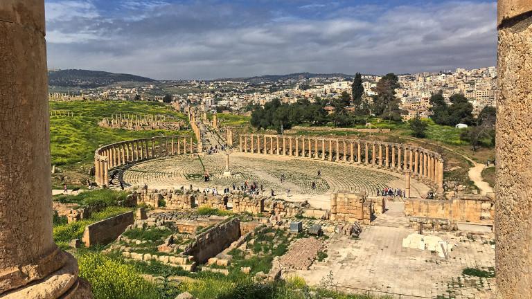 8 души са намушкани в Йордания до популярни римски руини