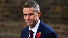 Гавин Уилямсън наследява Майкъл Фалън като военен министър на Великобритания