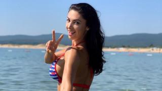 Секси почивката на Биляна Йотовска
