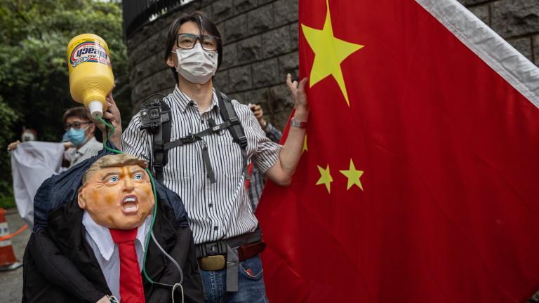 Китайските държавни медии и правителството на Хонконг се нахвърлят срещу