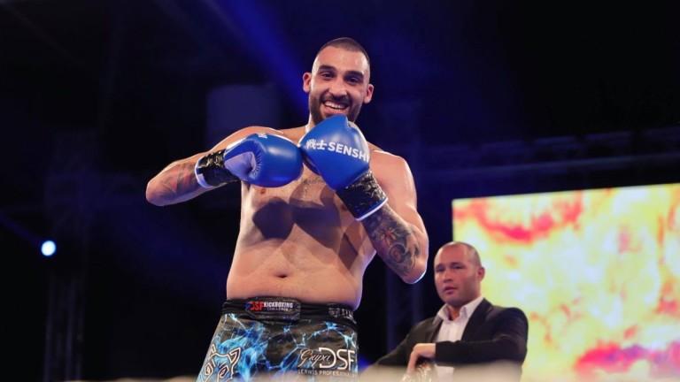 Един от най-добрите кикбокс бойци на България - Едуард Алексанян