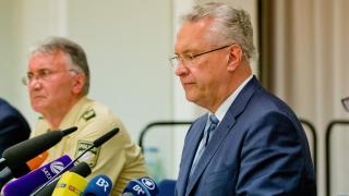 Меркел е виновна за арестуването на терористи в Германия, критикува пак Бавария