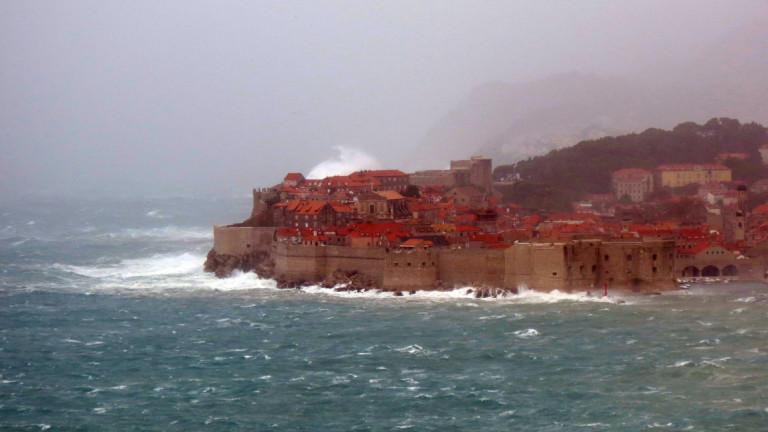 Хърватската част на Адриатическо море е ударена от една от