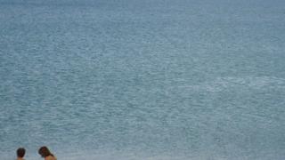 Община поема централния плаж в Бургас