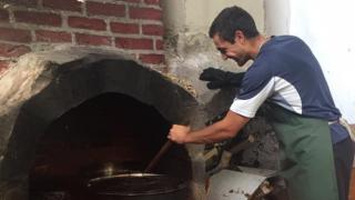"""Доброволци събират пари за социална кухня в столичния квартал """"Дружба"""""""