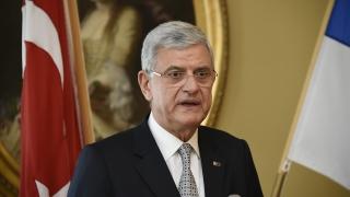 Турският евроминистър не е оптимист за сделката за падане на визите