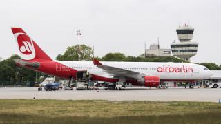 Кой ще спечели битката за втората най-голяма авиокомпания в Германия?