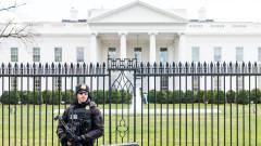 Белият дом иска да цензурира книгата на Болтън