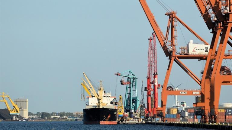 Шест кораба с имена на български върхове строи Китай за родния флот