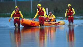 Заради наводнения в Австралия евакуират хиляди