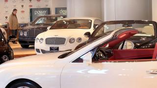 Луксозната марка Bentley отваря най-големия си шоурум в една от най-бедните държави в Европа