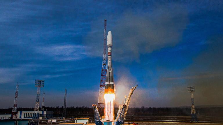 В России запустили на низкую орбиту ракету с 36 британскими спутниками