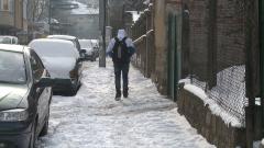На софиянци не им се рине сняг от тротоарите