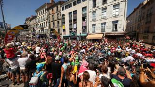 Спокоен етап след почивния ден в Тур дьо Франс
