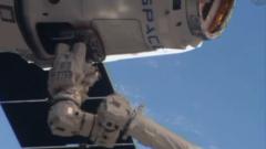 """Космическият """"камион"""" Dragon стигна благополучно до МКС"""