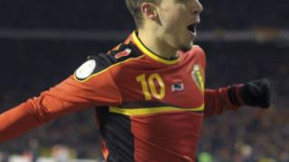 Разследват куп белгийски национали, включително Азар!