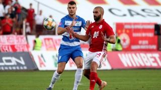 Ненужният в ЦСКА Нуно Томаш продължава да си търси нов отбор