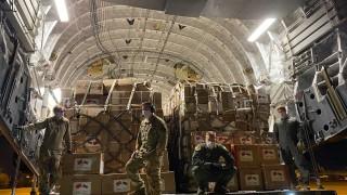 568 000 медицински маски пристигнаха у нас със самолет на НАТО от Китай