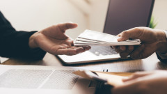 Българите все по-предпазливи към задлъжняване с потребителски заеми