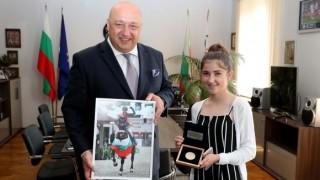 Ая Митева и отборът по издръжливост са №1 в конния спорт