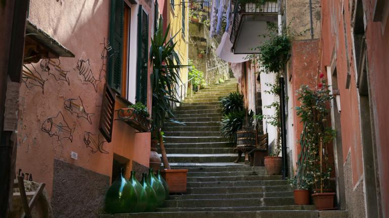Италианският град, който плаща наемите на новите си жители