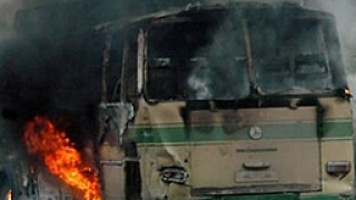 Катастрофа на автобус и камион на магистрала в Япония