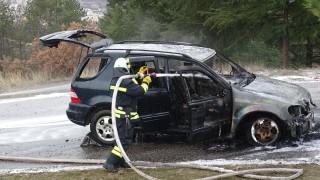 Кола се запали в движение край Благоевград