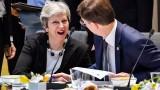 """Тереза Май призовава за """"дългосрочен отговор"""" на Запада срещу Русия"""