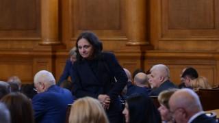 Депутатите се захванаха с бюджета на ДОО
