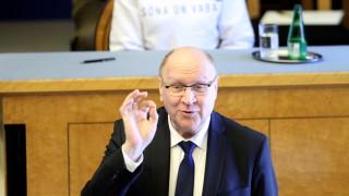 Провали се опит за сваляне на естонски министър заради обида по адрес на премиера на Финландия