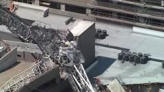 Кран падна върху жилищен блок в Далас, загинал и тежко ранени