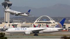 Авиокомпания в САЩ уволнява стотици неваксинирани свои служители