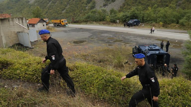 Прострелян сърбин и шестима ранени полицаи при сблъсъци в Косово