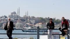 Турция разследва сенатор и бивш шеф на ЦРУ за връзки с Гюлен