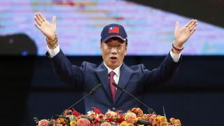 С божествена подкрепа, основателят на Foxconn се кандидатира за президент на Тайван