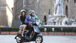 Легендарният скутер Vespa празнува 70-годишен юбилей