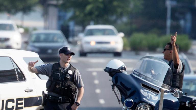 Петима убити и четирима ранени при стрелба в училище в САЩ