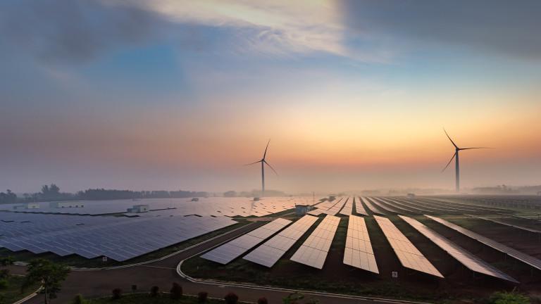 Китай и САЩ увеличават капацитета за възобновяема енергия в света