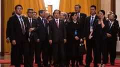 Управляващата партия в Япония кани жени на ключовите срещи, но нямат право да говорят