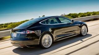 "Tesla на автопилот ""уби"" робот"